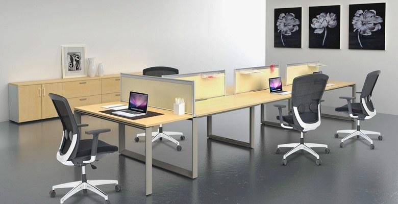 Sử dụng bàn dài và ghế xoay vẫn là phương án hữu hiệu nhằm tiết kiệm không gian